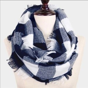 NEW Blue & White Buffalo Check Inifinty Scarf- OS